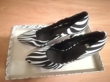 H&M cipele crno-bele Velicina 37 Potpuno NOVE - Kraljevo