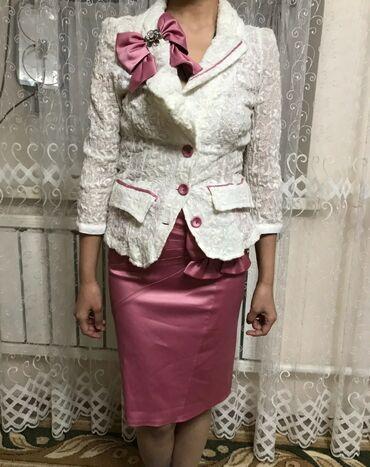 Женский костюм  Надевали 1 раз