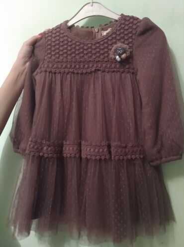Очень красивое, нарядное платье (тёплое) на девочку 3-5 лет (надо