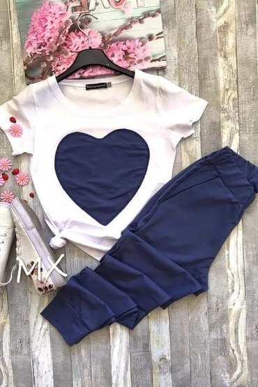Ženska kućna odeća - Kovacica: Predivan komplet. Velicina L ili Uni