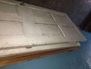 maserati 222 в Кыргызстан: Деревянные двери,очень в хорошем состоянииРазмеры,ширина 85смДлина