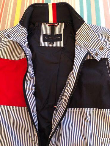 tommy hilfiger бишкек in Кыргызстан | СПОРТТУК БУТ КИЙИМ: Куртка - Tommy Hilfiger • Striped Navy Zip Jacket. Unisex.ORIGINAL