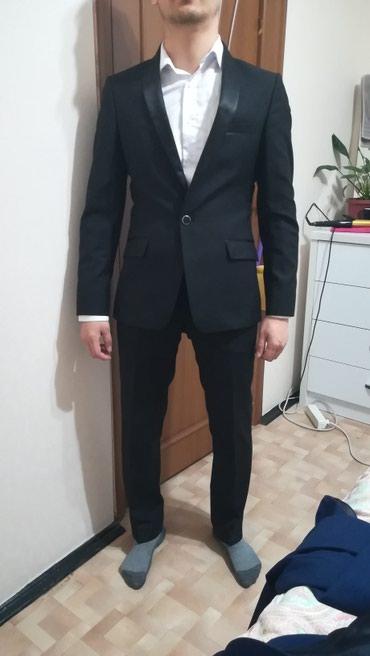 Мужские молодёжные костюмы б/у. 3 в Бишкек