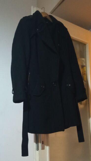 Kaput amisu placen - Srbija: Mona kaput, ocuvan, placen mnogo vise. Vel M (42) nisu stavljeni