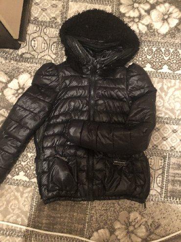 демисезонные ботинки в Кыргызстан: Демисезонная курткатёплая .Одевала пару раз даже зимой