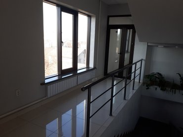 Сдаю офис 64 кв. м  640 $. горького 83. (пер. панфилова) в Бишкек