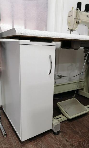 веритас швейная машинка в Кыргызстан: Швейная. Тумбочка под швейную машинку, на ножках. Любой расцветки Лами