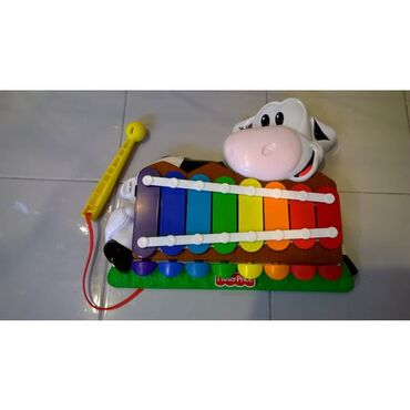 Πιάνο - Ξυλόφωνο, χρησιμοποιώντας το στικ το μωρό μπορεί να παίξει
