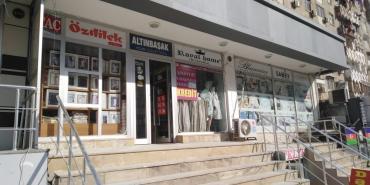 Kommersiya mülkiyyəti - Azərbaycan: Xətai rayonu, M. Hadi küçəsi, Həzi Aslanov m/s çıxışında yerləşən 9