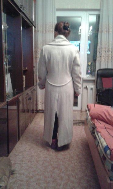 Продаю пальто,длинное,цвет свело-серый,размер48 в Токмак