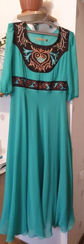 дизайнер бишкек в Кыргызстан: Продается б/у платье в красивом бирюзовом цвете с национальными