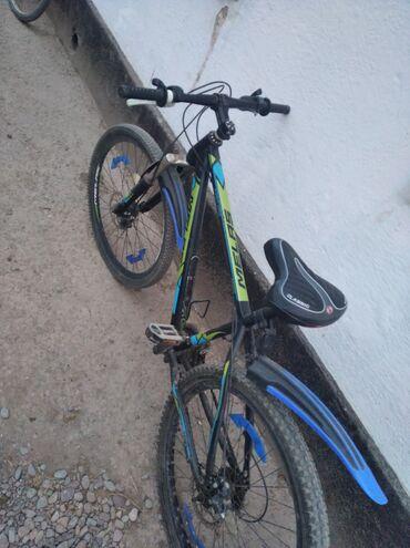 Спорт и хобби - Каинды: Продаю велосипед скоростнойСкорости:21/3/7 Размер колес:26Заднее