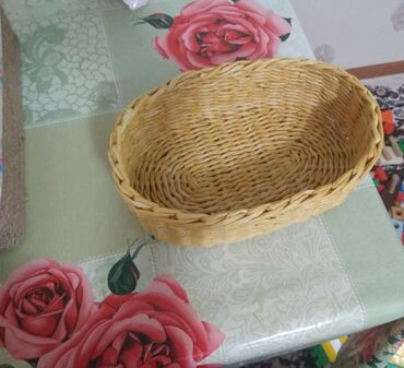 Кухонные принадлежности в Сокулук: Корзина из бумажной лозы. Плету на заказ. Цена данной корзины 400 сом