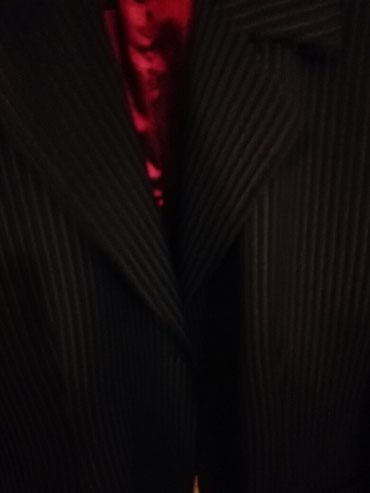 Sako crne boje - Srbija: Sako br 48 malo nošen, crne boje sa tankim belim štraftama. cena