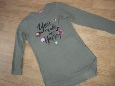 Dečija odeća i obuća - Novi Banovci: Tanji duksevi za devojciceZelena je tunika I sa strane je secena(tako