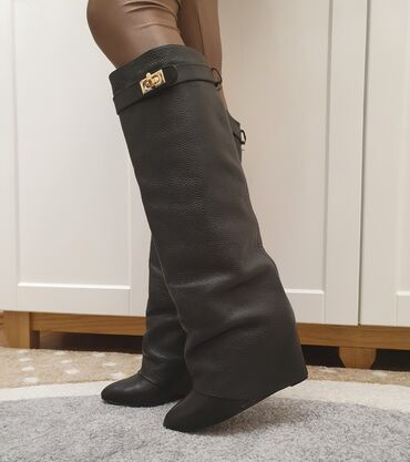 Aldo cizme - Srbija: Na prodaju kozne cizme replika Givenchy, nosene par puta ali jako lepo