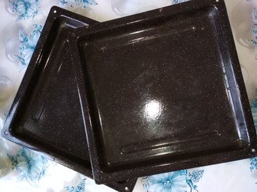 Продаю противень/лист 36*36. в хорошем состоянии. 300 за 1 шт.  в Бишкек