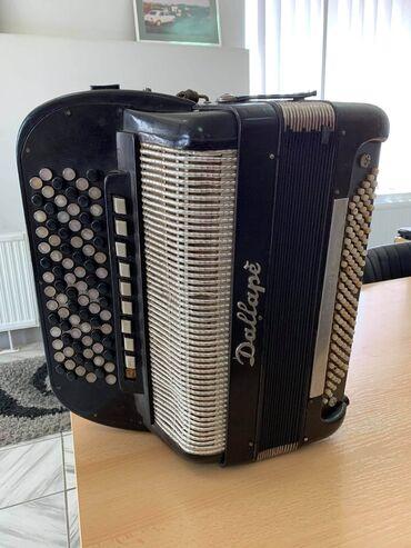 Harmonike - Srbija: Na prodaju xarmonika troglasna. 2+1 rucni rad 9registra u primu +5 u