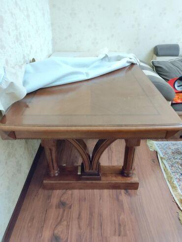 Срочно продается стол дерево массивный в отличном состоянии размер 1м