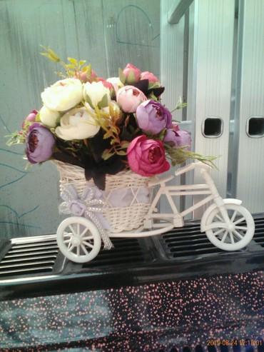 aksessuary iz bisera в Азербайджан: Otlicniy podarok kompoziciya iz cvetov v koleske