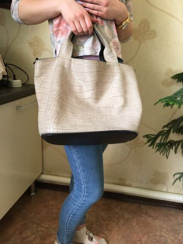 стильный полушубок в Кыргызстан: Стильная вместительная сумка