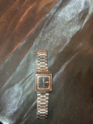 Orient 1968in saatıdır tam işlək vəziyyətdədir özüm hal hazırda