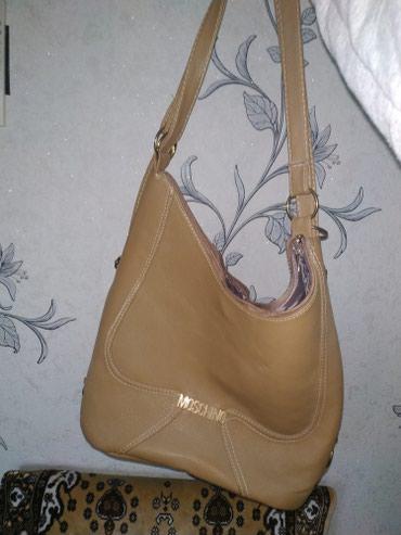 сумка два в одном в Кыргызстан: Продаю большую вместительную сумку. Можно носить и как сумку, и как