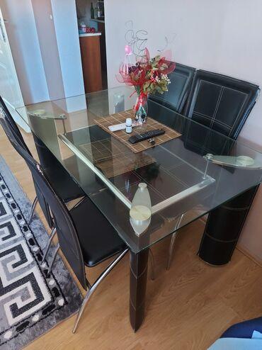 Kuća i bašta - Borca: Prodajem sto sa 4 stolice