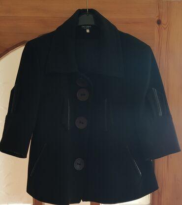 qadın üst geyimləri qadın vetrovkaları - Azərbaycan: Qısa qadın paltosu.Az geyilib. Materialı Drapdir yaxşı