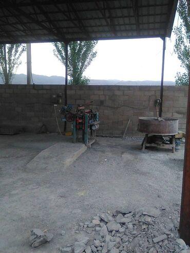 станок токарно винторезный повышенной точности в Кыргызстан: Станок по производству пескоблока. Комплект станок, мешалка, 2тележки