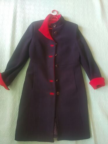 Пальто сатам.44размер туура келет Баасы 1500