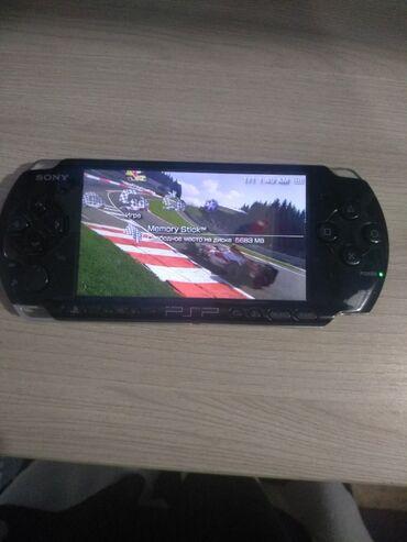 Psp info - Кыргызстан: PSP-3004 PB  Есть две игры много фонов  Целая есть коробка зарядка