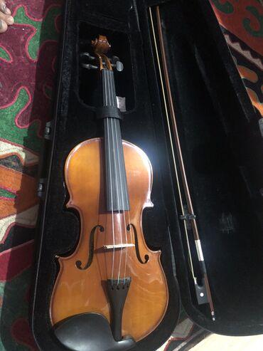 Скрипки - Кыргызстан: Продаю скрипку новую в идеальном состоянии. Размер 4/4.Покупали в Дуба