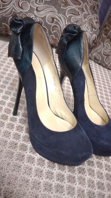 Личные вещи - Орто-Сай: Продам шикарную туфли на высоком каблуке, состояние один раз обувала