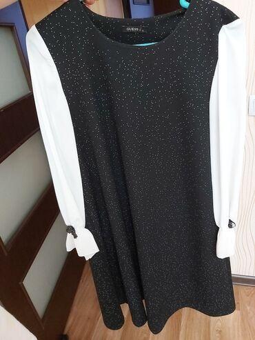 Рукава из тонкого сатина само платье из плотной ткани как раз на