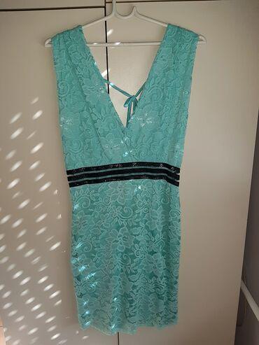 Prodajem čipkanu haljinu S/M veličine, mint boje sa crnim detaljima
