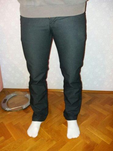 Jako udobne i kvalitetne svečane pantalone nošene 3-4 puta prodajem - Ruski Krstur