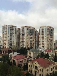 - Azərbaycan: Mənzil satılır: 3 otaqlı, 121 kv. m