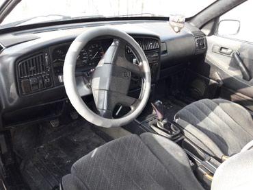 Volkswagen Passat 1990 в Шопоков
