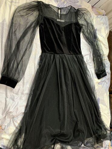 Очень красивое платье отдам В новом состоянии