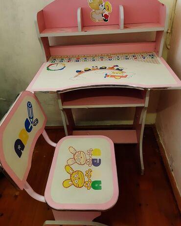 Uşaq masası və stul .Xırdalanda