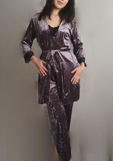 Уютная и тёплая!    Пижама- ЧЕТВЁРКА из переливающегося велюра с элеме