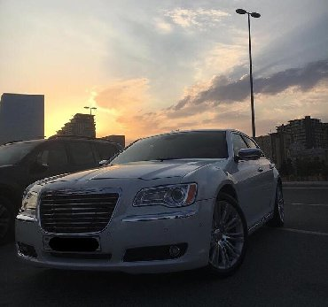 белые колготки в Азербайджан: Chrysler 300C 2012