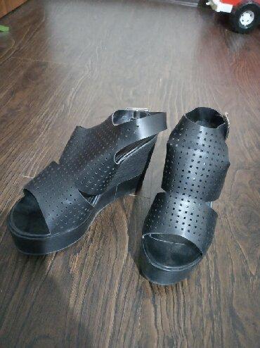 Женская обувь в Кант: Обувь платформа,в хорошем состоянии
