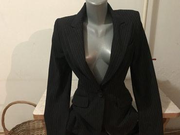 Zara-kaput - Srbija: Original Zara strukirani crni sako, prati liniju tela. Nije noses