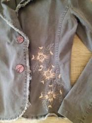 Sivi sako sa zlatnim cveticima, s velicina - Futog
