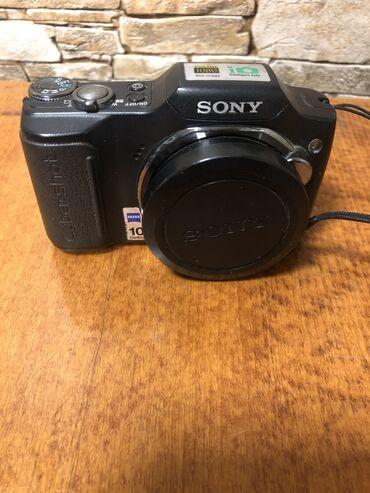 cyber shot sony в Кыргызстан: Продам фотоаппарат SONY Cyber-Shot DSC-H20. Полный комплект! В одних р