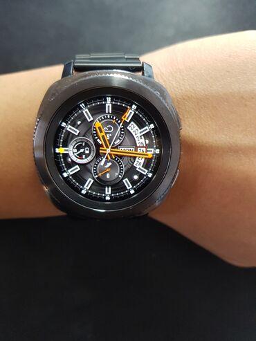 Продаю часы Samsung gear sport. В комплекте металлический и