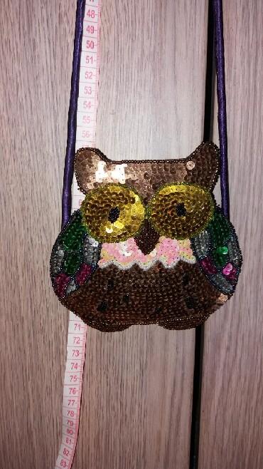 Bunda-nerc-nozice-sa-kapuljacom-izgleda-uzivo - Srbija: Nova mini torbica, za novac recimo, vise je kao modni detalj. Veoma in