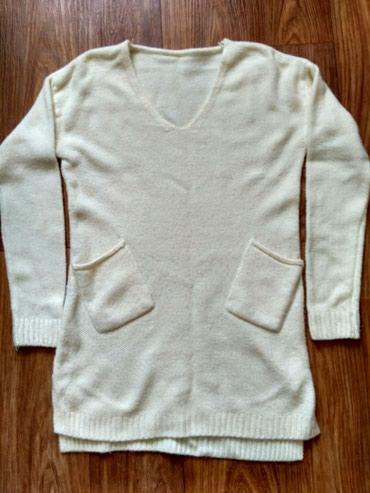 Продаю туника белая 1000сом подходит беременным,рубашка жёлтая 400сом. в Бишкек